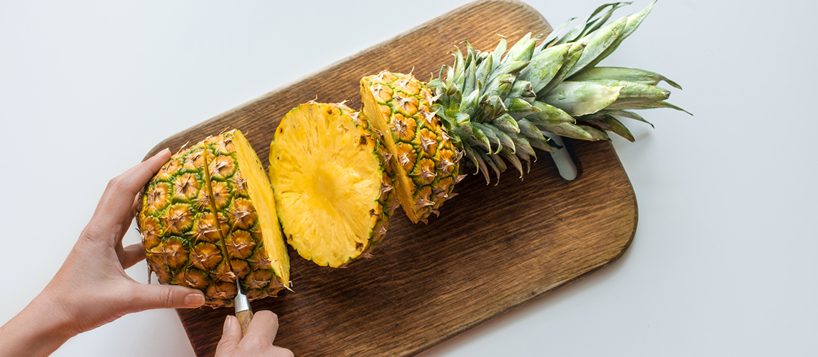 how to cut a pineapple in a few easy steps