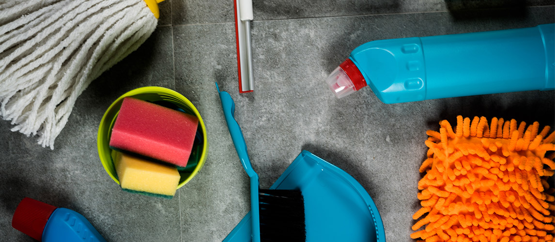 Dishcloths vs. Brushes vs. Sponges