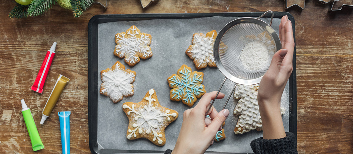 How to Easily Decorate Sugar Cookies