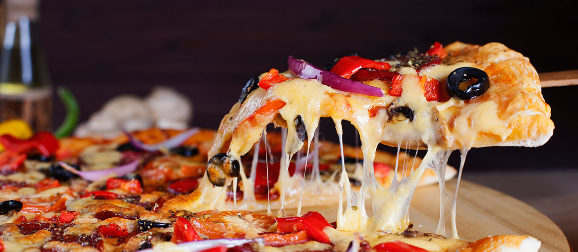 What are the Best Cheeses to Put on a Pizza