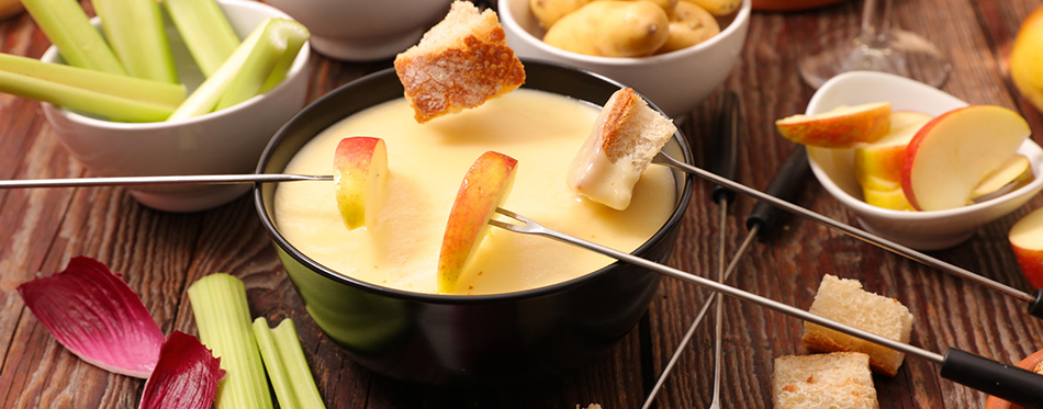 Cheese fondue with bread