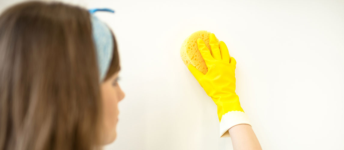 How to Remove Oil Stains From Kitchen Wall