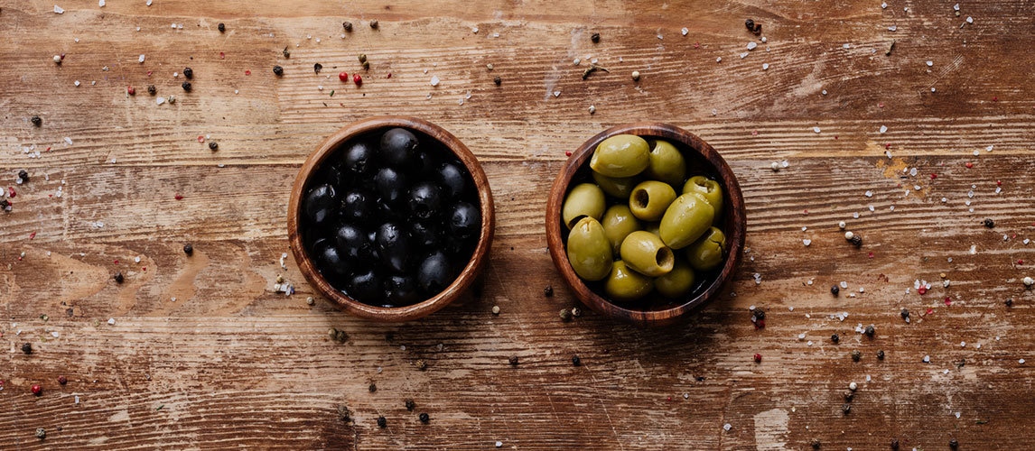 What's the Difference Between Green and Black Olives