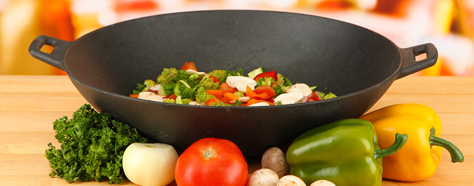 Electric wok and vegetables